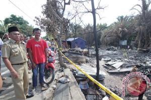 Delapan Rumah Hangus Terbakar
