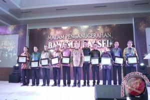 Balangan Terima Bawaslu Award