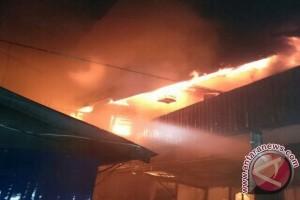 Lima Rumah Tabalong Terbakar