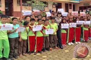 Polisi Kampanye Antinarkoba Ke Sekolah Dasar