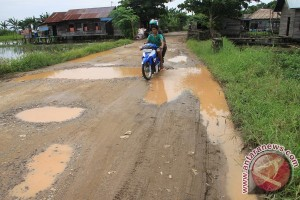 Warga Tanah Bumbu Minta Perbaikan Jalan