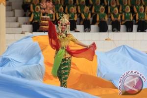 Gubernur Kalsel diSuguhkan Kemunculan Puteri Junjung Buih