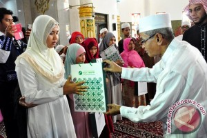 250 Tunanetra Banjar Terima Al-quran Braille Digital