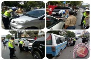 Polresta Banjarmasin Tilang 224 Mobil Salah Parkir