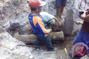 Ancient Cannon Found under Jalan Sudirman