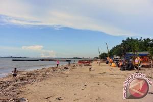 Promosikan Teluk Awur Lewat Pengibaran 1.000 Bendera