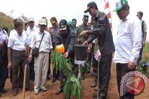 Menhut Cadangkan 12 Juta Hektare Hutan Rakyat