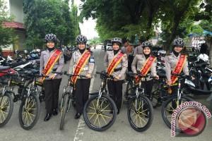Polwan  Patroli Dengan Bersepeda
