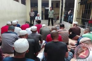Puluhan Tahanan Ikuti Tausiah