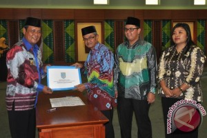 Bupati Banjar Laksanakan Perintah UU Pemerintahan Daerah