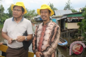 Banjarmasin Still Preserves Riverside Settlement