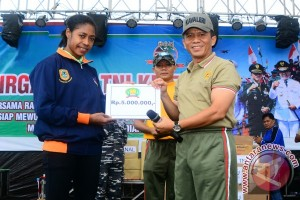 TNI Adakan Gerak Jalan Santai