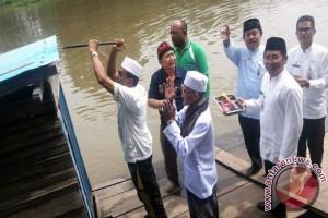 Bupati Canangkan Sungai Martapura Bebas Jamban Apung