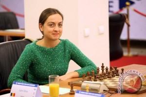 Pecatur Rumania Alina Memimpin Turnamen JAPFA