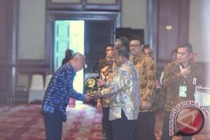 HST Raih Anugerah Dana Rakca 2016