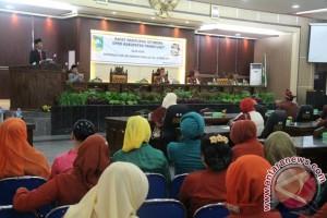 Dewan Sahkan Raperda Pertanggungjawaban Pelaksanaan  APBD 2016