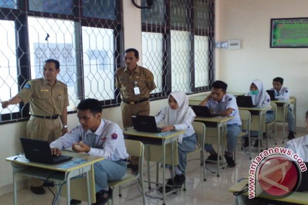 SMAN 1 Tanjung Terima Bantuan UNBK