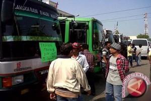 Dua Bus Cadangan Angkutan Mudik Tidak Terpakai