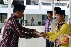 Bupati Batola Kalsel Serahkan DPA 2017