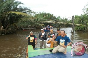 Wali Kota dan Wartawani Susur Sungai