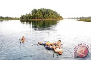 Pemkot Tidak Bisa Kelola Wisata Danau Seran