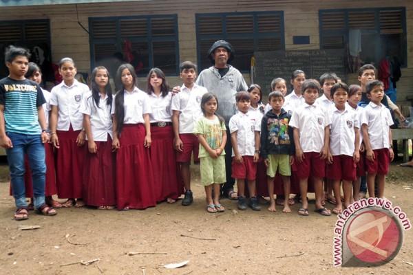 Guru HST Bergiliran Mengajar Ke Daerah Terpencil