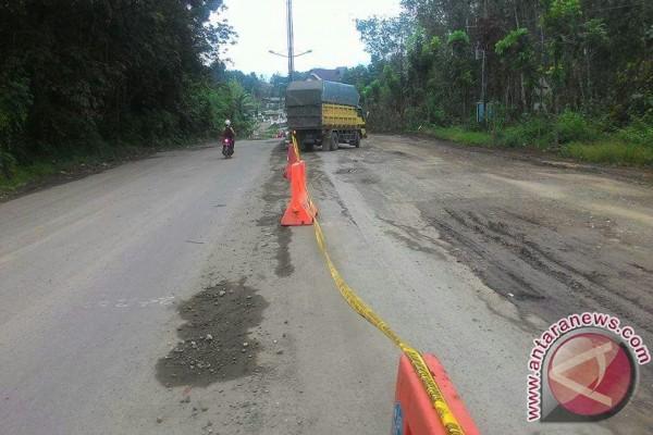 Ruas Jalan Kotabaru 40 Persen Rusak Berat