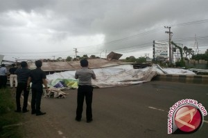 Pemkot: Baliho Buat Kecelakaan Belum Perpanjang Izin