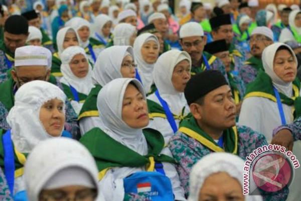 Calhaj Urung Berangkat Haji Karena Mengidap Stroke