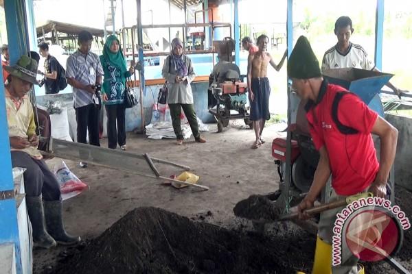 Peternak Barito Kuala Kembangkan Pupuk Organik