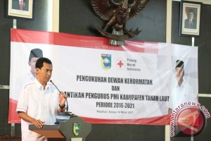 Ketua PMI Tanah Laut Lantik Anggota PMR