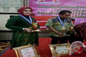 Hj Fatma Idiana Dianugerahi Citra Wanita Indonesia 2017