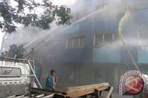 Kebakaran Banjarmasin Satu Toko Ahli Gigi Hangus