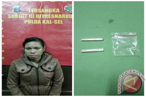 Polisi Tangkap Ibu Rumah Tangga Simpan Sabu