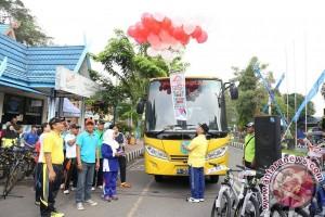 Bupati HSS Resmikan Penggunaan Bus Sekolah