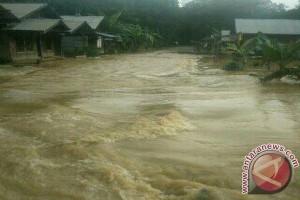 Desa Baruh Panyambaran Terendam Air