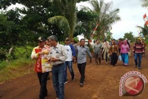 Bupati Kotabaru Berkomitmen Perbaiki Jalan