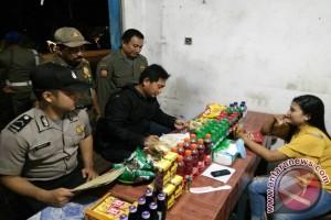Polisi Amankan Dua Pengunjung Warung Jablay