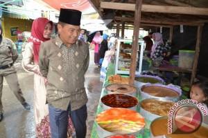 Wabup Resmikan Pasar Wadai Ramdhan