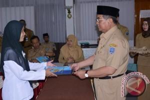 25 Orang PTT Kemkes Terima SK CPNS