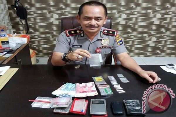 Polsekta Banjarmasin Tengah Sita Sembilan Paket Sabu-Sabu