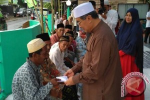 Warga Telaga Langsat Sambut Bupati Safari Ramadhan