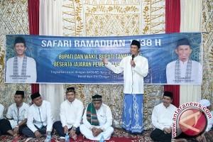 Bupati Bantu Masjid Jamiul Khairat Rp80 Juta