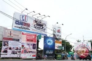 Pemerintah Kota Banjarmasin Segera Bersihkan Iklan Rokok