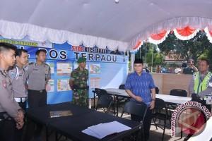Bupati HSS Tinjau Posko Kesehatan dan Pos Terpadu Lebaran 2017