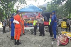Polres Kotabaru Siap Siaga Berikan Pertolongan Pengunjung Wisata Pantai