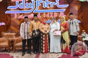 Bupati Banjar Hadiri Open House Gubernur