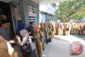 Saidi Mansyur Pimpin Apel PNS Usai Libur Panjang