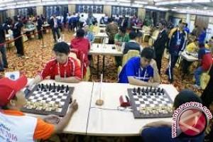 Dua Mahasiswa Gunadarma Juara Catur Mongolia Open