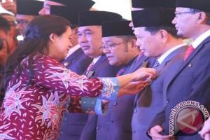 Bupati Tapin Kembali Raih Tanda Kehormatan